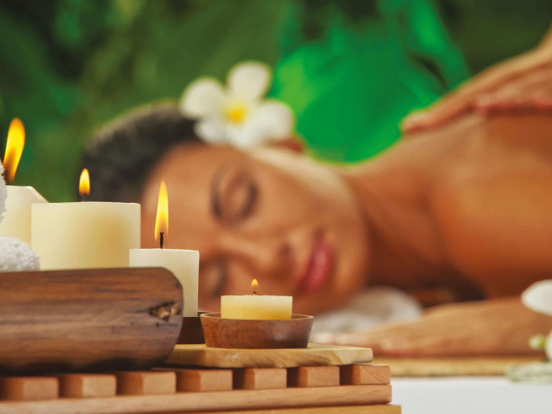 Peeling a aroma olejová masáž